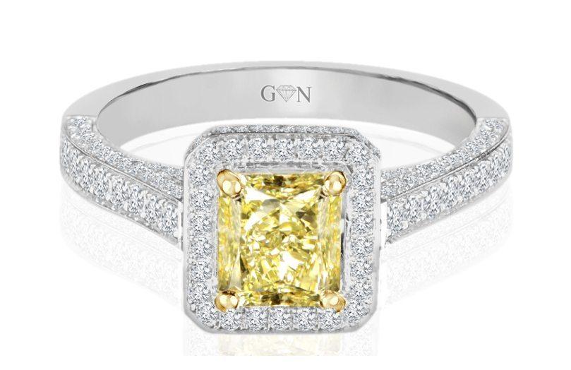 Ladies Halo Design Engagement Ring - R738